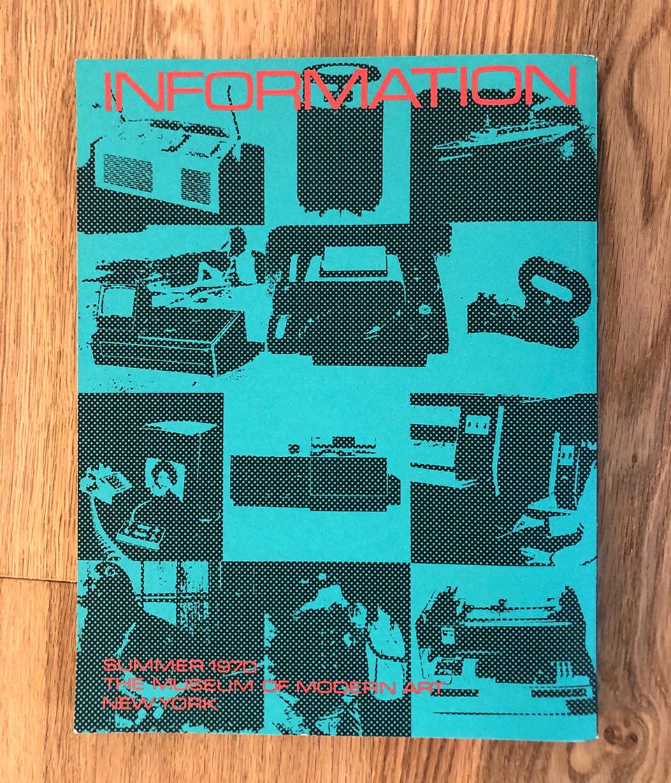 """Tapa del catálogo de la exposición """"Information"""", MoMA, 1970."""